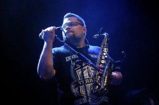Flabet saxofon og funky punk