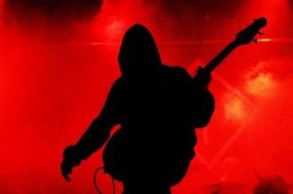 Tabt visuelt udtryk reddet af storslået musik