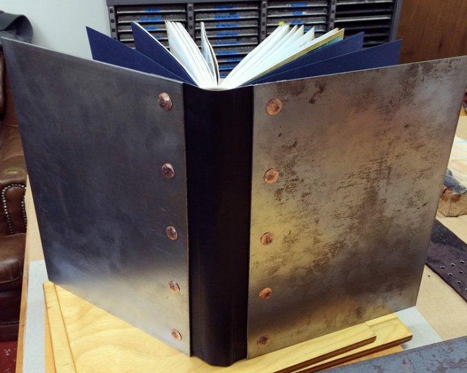 Top 5 – De hårde pakker: Metalbøger under juletræet