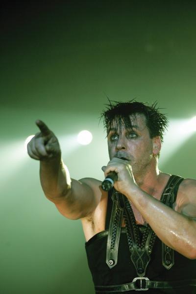 Tung julequiz: Rammstein-dvd'er og shirts!