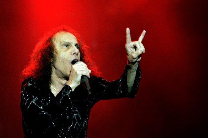 Ronnie James Dio er død